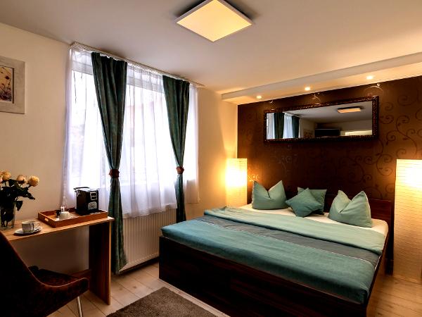 suite1-1_600x450